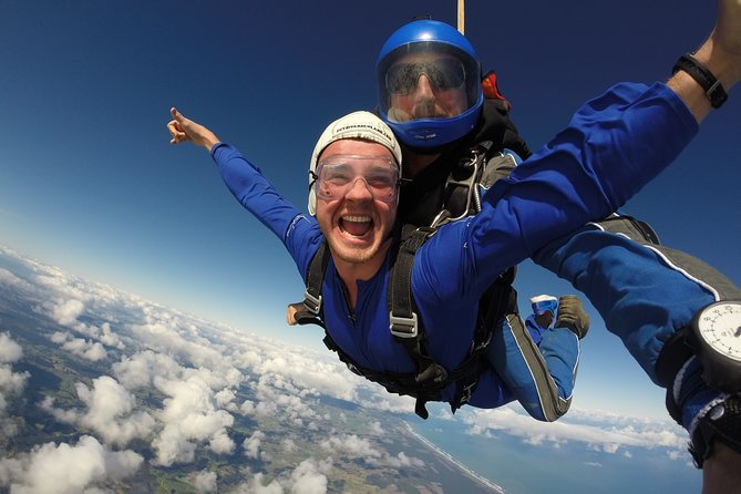 13,000 Feet Tandem Skydive & Gannet Experience