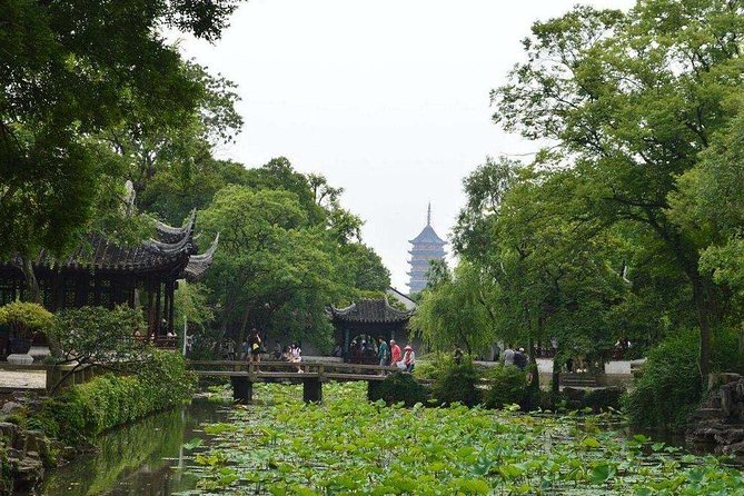 Suzhou Self-Guided Tour with Zhouzhuang or Tongli Water Town from Wuxi