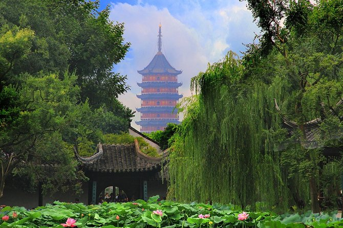 Suzhou and Tongli Water Town Private Day Tour from Wuxi