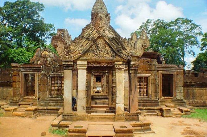 Full-Day Kbal Spean & Banteay Srei Tours