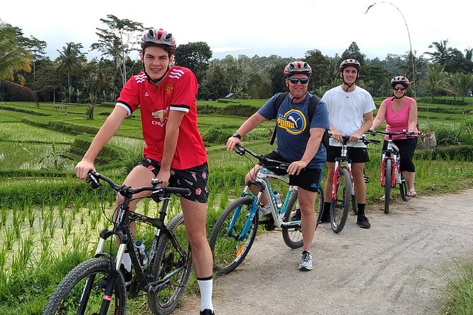 Bali Countryside Cycling for 3 Hours with Pick Up Service and Lunch
