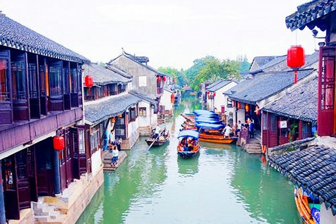 Tongli and Zhouzhuang Water Town Private Day Tour from Wuxi