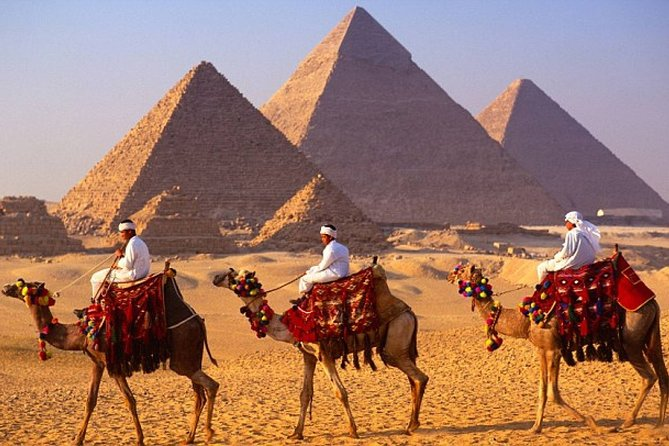 Private Tour of the Pyramids, Sphinx,Egyptian Museum including Camel Ride