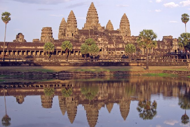 Private One Day Tour: Angkor Wat, Angkor Thom & Ta Prohm Temple