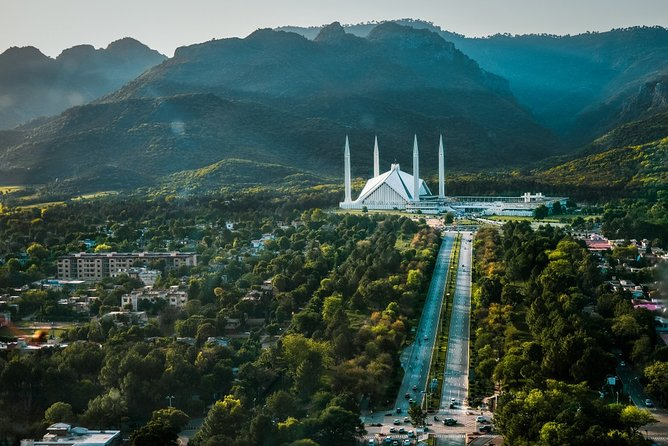 Islamabad Round Trip Airport Transfer & Customizable Day Trip