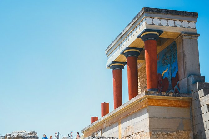 Self-guided Virtual Tour of of Knossos: Daily life in the Minoan Era