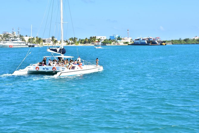 Catamaran Isla Mujeres + Beach Club with Open Bar