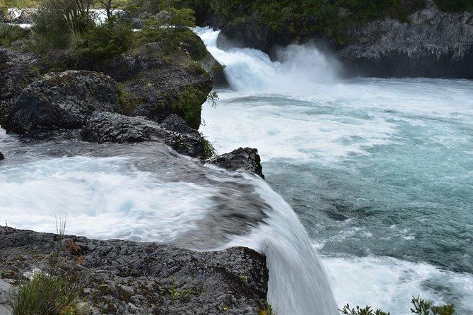 Premium Full Day Shared Tour Osorno Volcano and Petrohue Falls