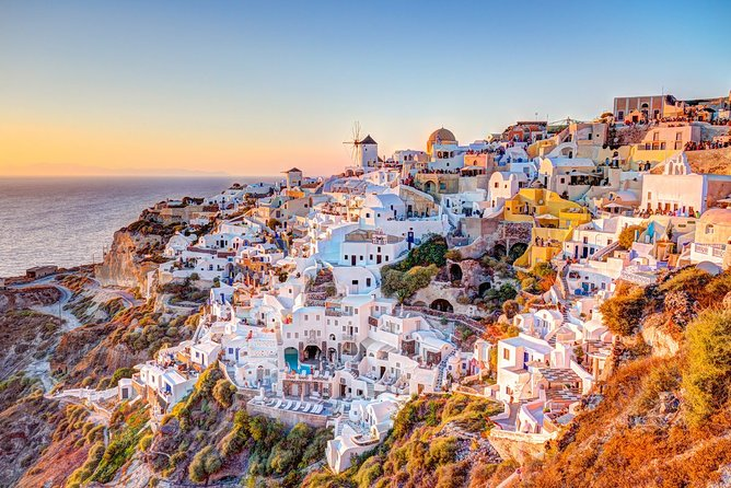 Enjoy the most popular destinations of Santorini Private half-day tour