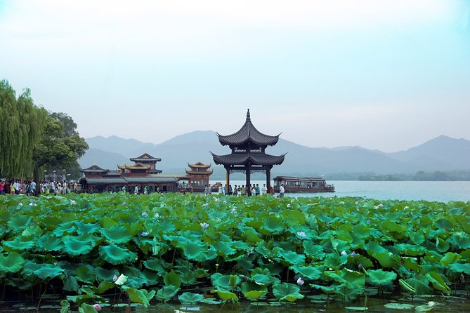 Hangzhou Private Day Tour of West Lake, Lingyin Temple and Tea Village