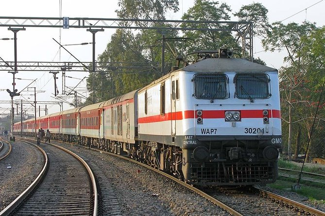 Express Train: Taj Mahal, Agra Fort and Baby Taj, Agra Tour from Delhi