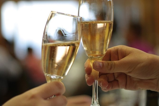 How to Drink Champagne Like a Parisian | LivTalks on-demand with Michelle