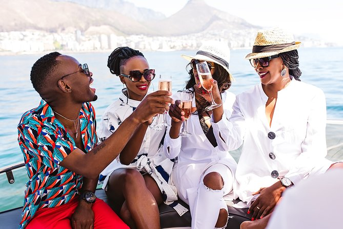 Cruise and Dine Dinner / Cape Town: Sunset Champagne Cruise and 3-Course Dinner