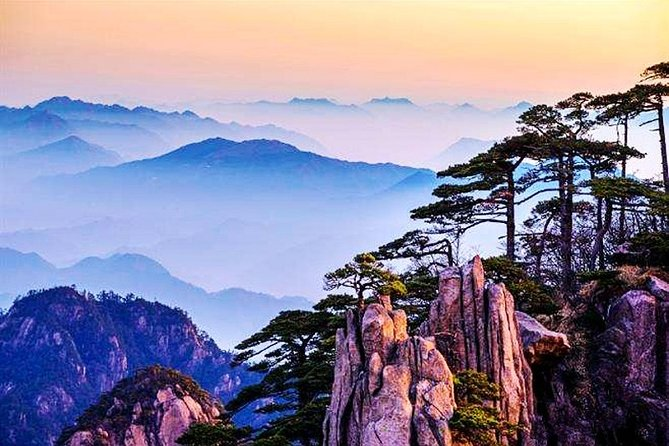 3-Day Huangshan Private Tour: Yellow Mountain, Xidi Village and Tunxi Old Street