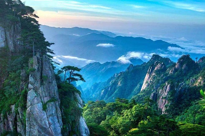 2-Day Huangshan and Hongcun Village Private Tour from Hangzhou by Bullet Train