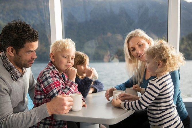 Lake Wakatipu Scenic Catamaran Cruise from Queenstown