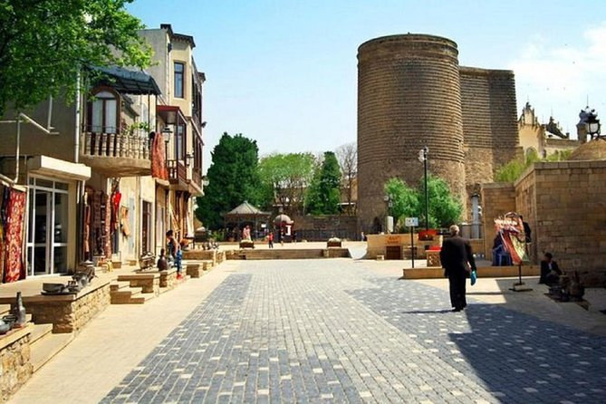 Old city Baku Virtual Tour with local guide. Live from Azerbaijan