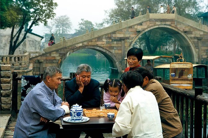 Half Day Private Tour to Wuzhen Water Town with Boat Ride from Hangzhou