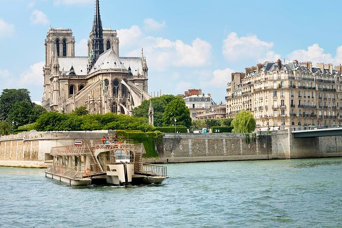 Paris Hop-On Hop-Off Bus with Access to the Louvre Museum & Seine River Cruise