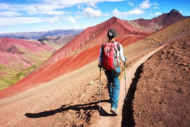 LGBT:. Full day: Trek to Rainbow Mountain with Red Valley from Cusco