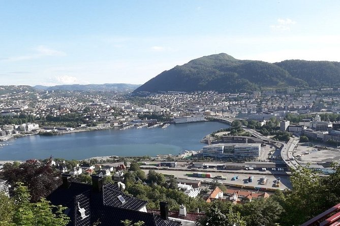 Three-summit hike in Bergen