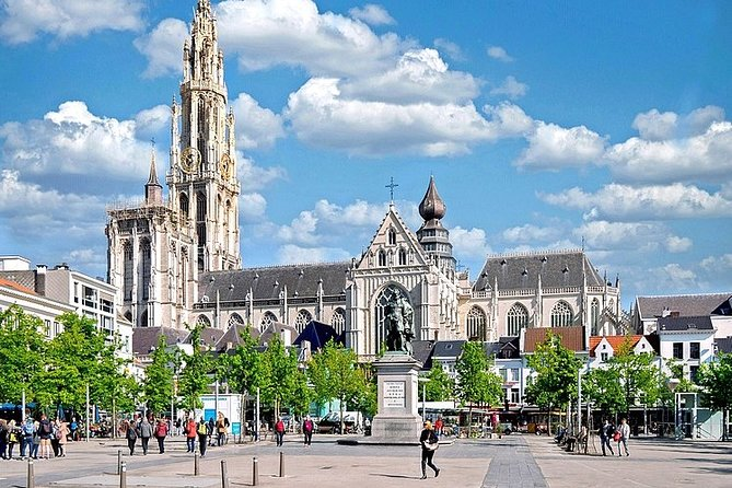 Walk & Explore Antwerp with the interactive Qula City Trail