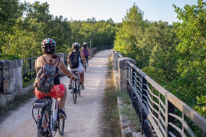 Bike tour of the Apulian Aqueduct in Cisternino with transfer from/to Ostuni