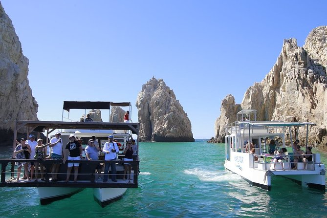Private Snorkeling and Sightseeing Boat Tour 18 passengers