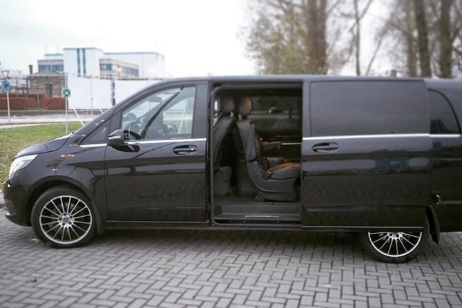 Brussels Airport Shuttle Transfer <-> Bruges (1 to 8 PLACES)