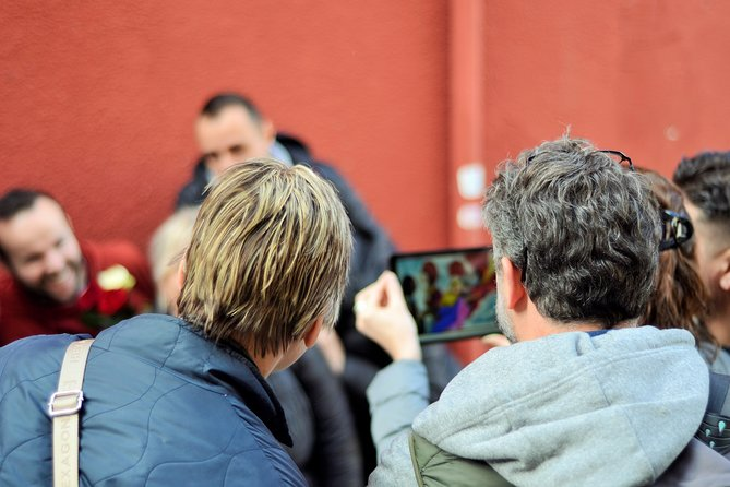 Athens Old City Treasure Hunt with a Tablet and Game App