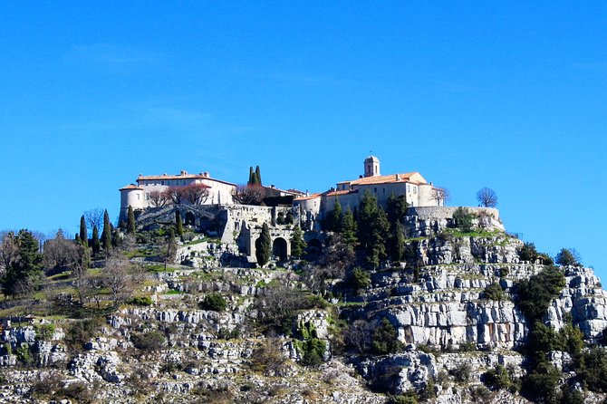 Full-Day Private Tour of Provence Towns and Medieval Villages photo 1