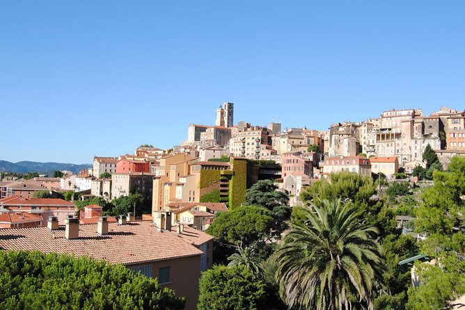 Full-Day Private Tour of Provence Towns and Medieval Villages photo 3