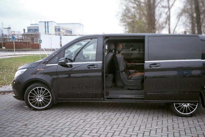 Ghent <-> London Shuttle Transfer (1 to 8 Seats)
