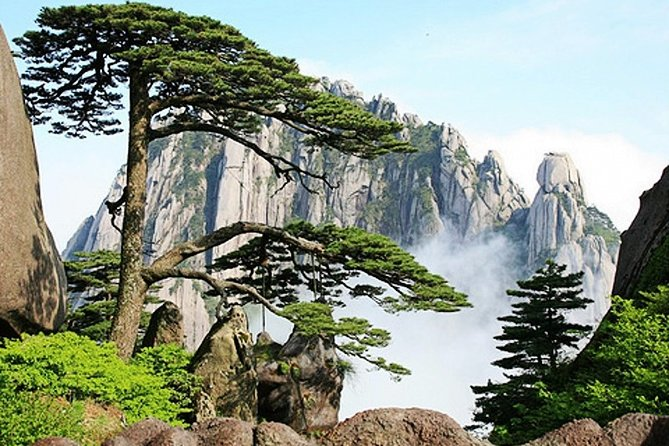 All Inclusive Huangshan Mountain and Xidi Village Private Efficient Day Tour
