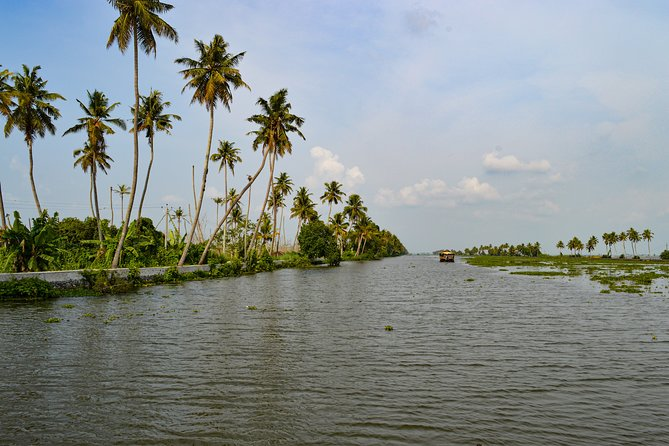 2 night 3 days Alleppey Backwater by Country boat and visit Jatayu Earth Centre