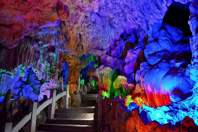 Guilin Private Day Tour to Reed Flute Cave,Elephant Trunk Hill and Daxu Old Town