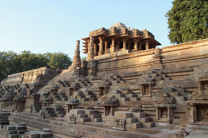 Historical Sights, Regal Cities & Wildlife Sanctuaries of Gujarat