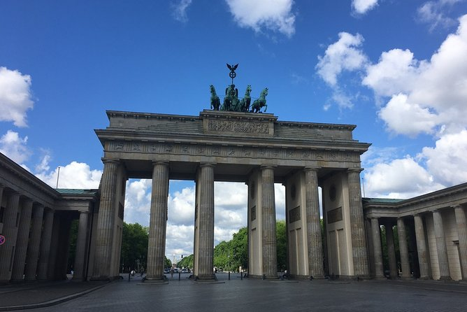 Exclusive private tour with Berlin contemporary witness