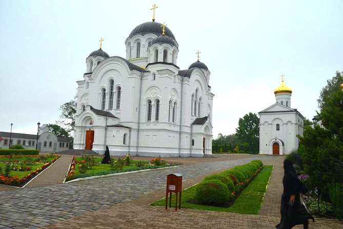 Sightseeing tour from Minsk to the cities of Vitebsk and Polotsk in one day.