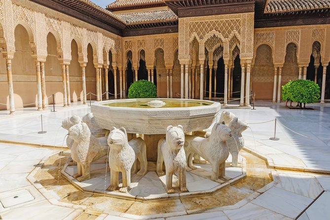 Alhambra, Generalife & Nasrid Palace Private Tour