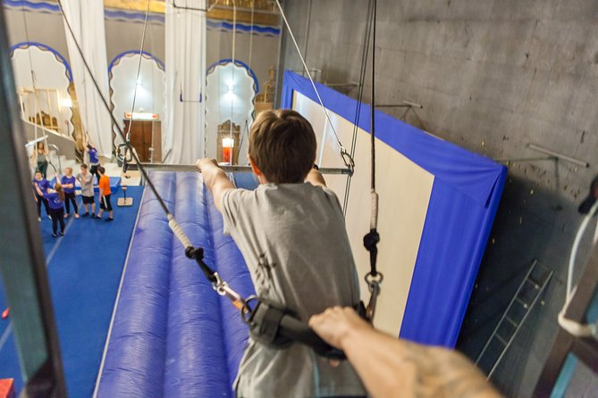 Private Guided Flying Trapeze Experience in Montreal