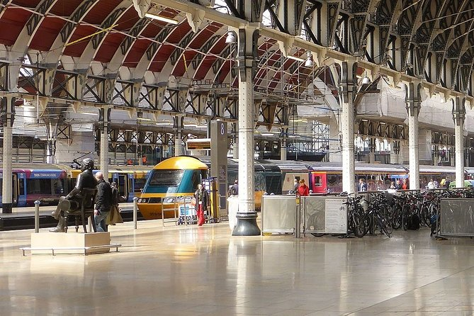 Private transfers between Heathrow Airport - London Paddington Train Station