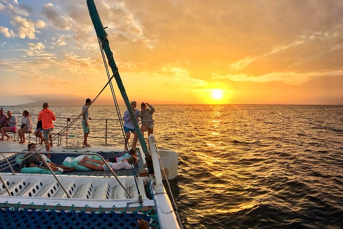 Original Sunset Sail with Open Bar from Ka'anapali Beach