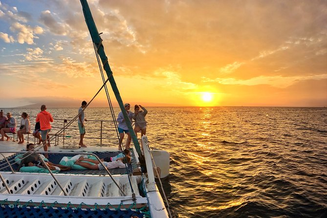 Sunset Sail with Live Music and Open Bar from Ka'anapali Beach