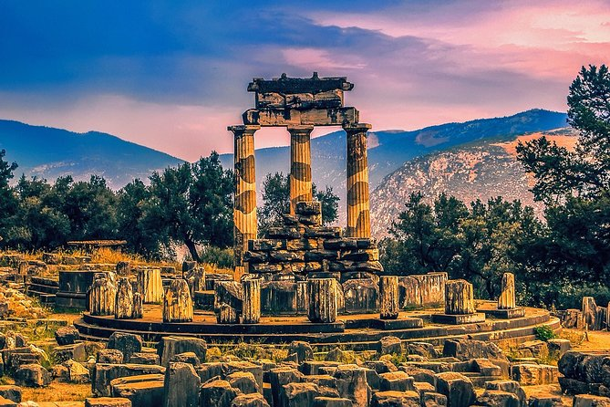 Delphi Full Tour , Hosios Loukas Monastery and Arachova Village Private Tour