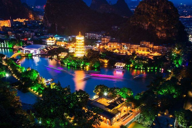 Private Guilin Illuminated Night Tour with Two Rivers and Four Lakes Cruise