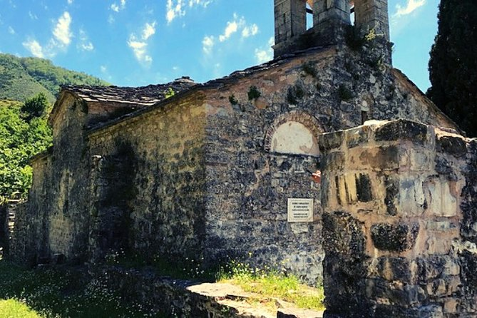 Hiking Tour to the Ancient Monastery of Kameno