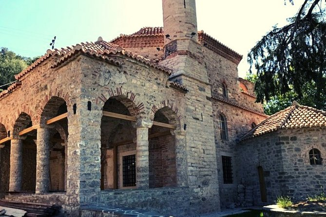 Visit the Mosque of Gjin Aleksi and the Islamic Complex of Xhermehalla