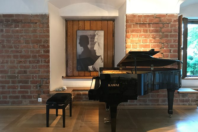 Chopin´s Warsaw: guided Royal Route tour with concert included