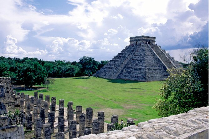 Chichén Itza Plus - Visit a World Wonder in a Full Day Deluxe Tour